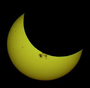slider 4 – Exposé les éclipses solaires